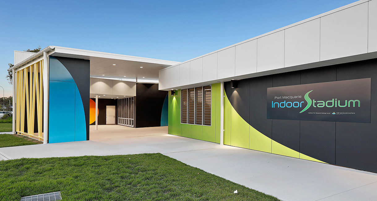 Industralight-LED-Lighting-Port_Macquarie_Indoor_Stadium_High_Facade_3