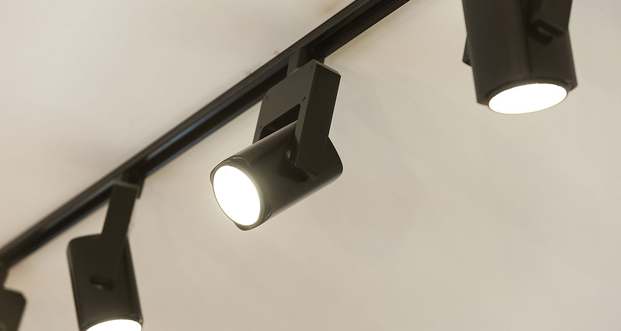 Industralight-LED-Lighting-Salon_226_Military_Rd_Neutral_Bay_High_salon_hair_lifestyle_3
