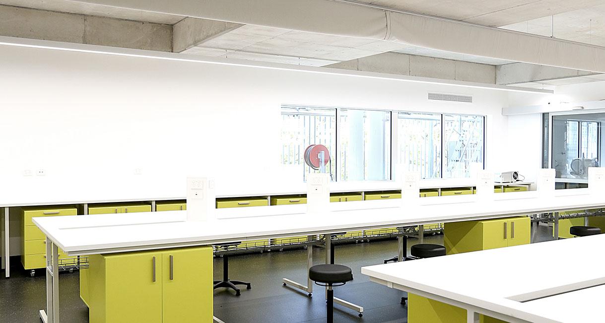 Industralight-LED-Lighting-UWS-Classroom-Profile-139A0197