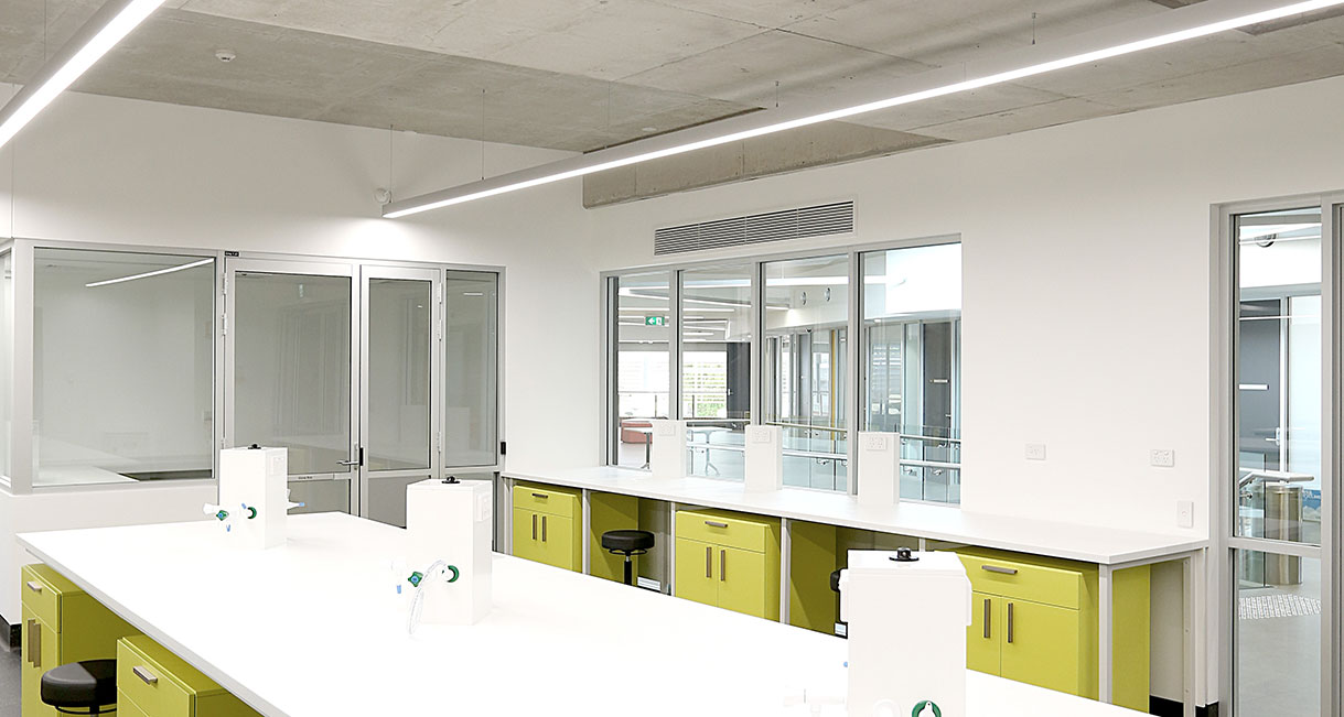 Industralight-LED-Lighting-UWS-Classroom-Profile-139A0215