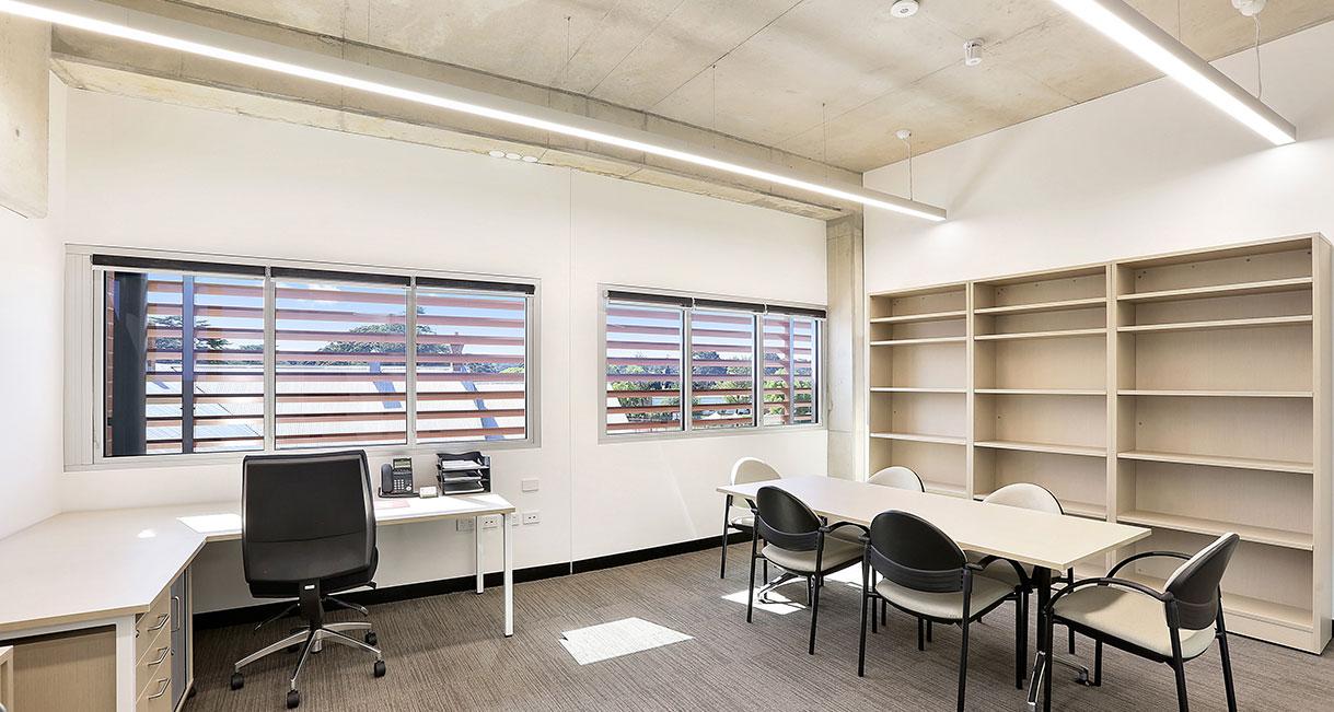 Industralight-LED-Lighting-UWS-Office-8