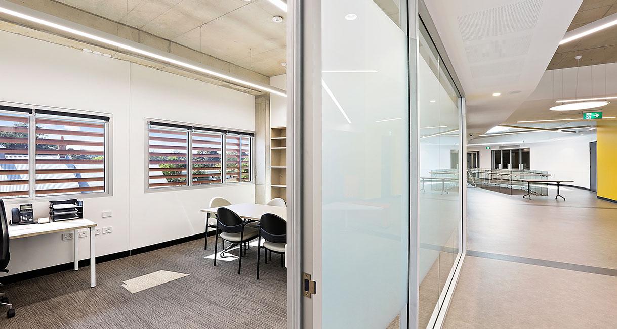 Industralight-LED-Lighting-UWS-Office-9