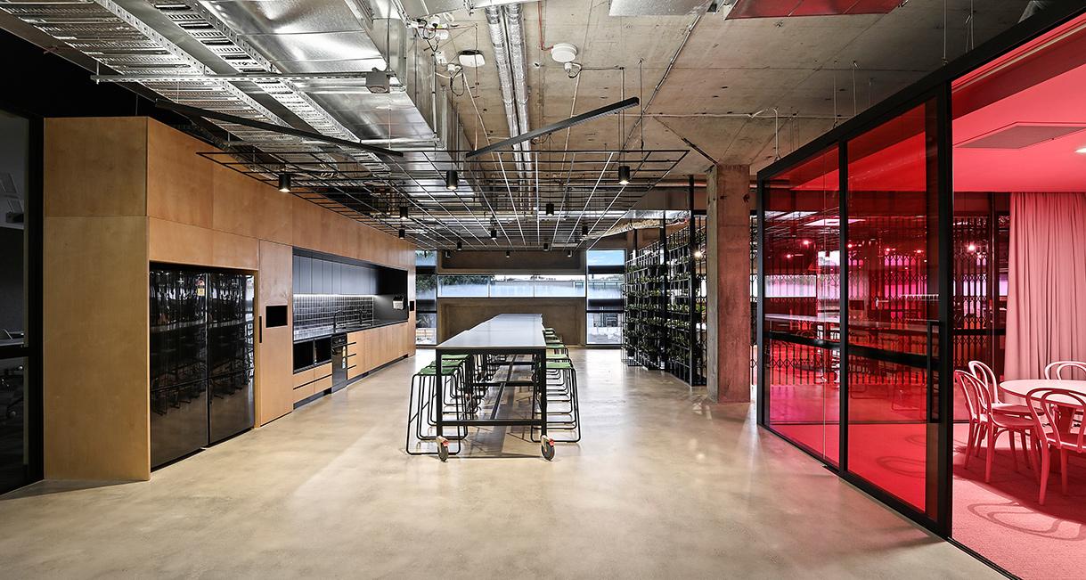 Industralight_Macquarie_University_High_DiningIndustrial_LED_Lighting